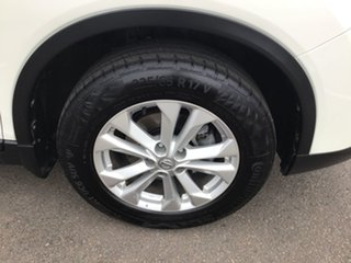 2014 Nissan X-Trail T32 ST 2WD White 6 Speed Manual Wagon