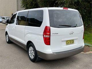 2014 Hyundai iMAX TQ-W Automatic Wagon.