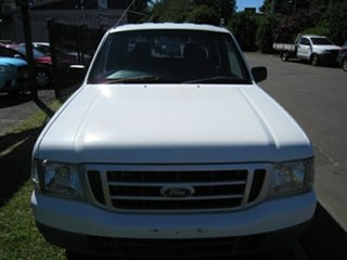 2004 Ford Courier PG GL White 4 Speed Automatic Crew Cab Pickup.