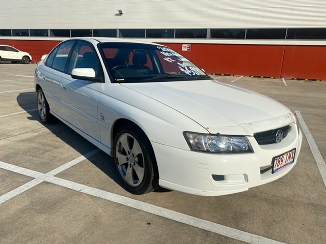 Used Holden Commodore VZ Lumina Morayfield, 2004 Holden Commodore VZ Lumina White 4 Speed Automatic Sedan