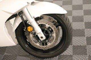 2016 Yamaha FJR1300A White Manual