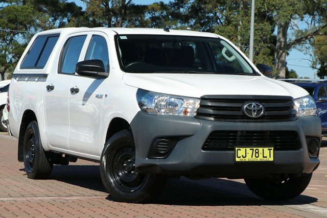 Pre-Owned Toyota Hilux TGN121R Workmate Double Cab 4x2 Warwick Farm, 2016 Toyota Hilux TGN121R Workmate Double Cab 4x2 White 6 Speed Sports Automatic Utility