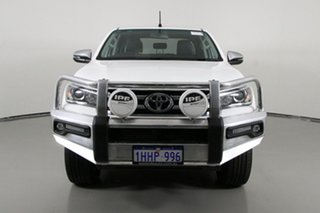 2017 Toyota Hilux GUN126R SR5 (4x4) White 6 Speed Automatic Dual Cab Utility.