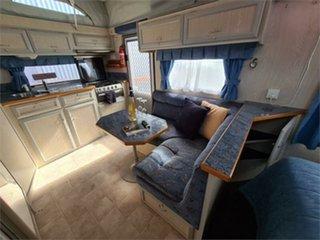 2005 Paramount Delta Caravan