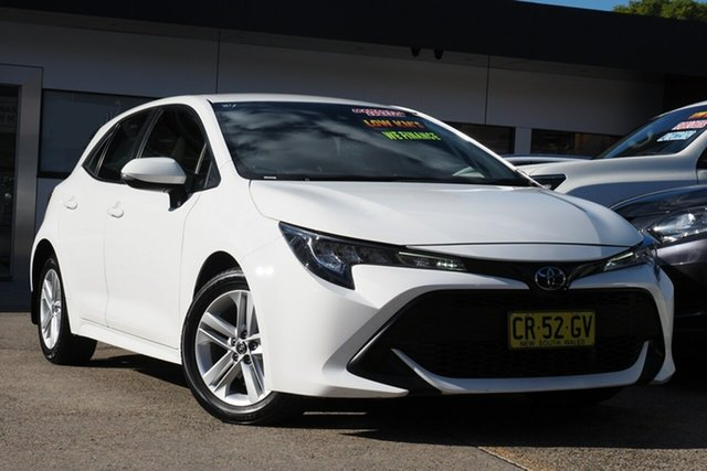 Used Toyota Corolla ZRE182R Ascent Sport S-CVT Homebush, 2018 Toyota Corolla ZRE182R Ascent Sport S-CVT White 7 Speed Constant Variable Hatchback