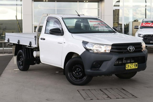 Used Toyota Hilux TGN121R Workmate 4x2 Liverpool, 2015 Toyota Hilux TGN121R Workmate 4x2 White 5 Speed Manual Cab Chassis
