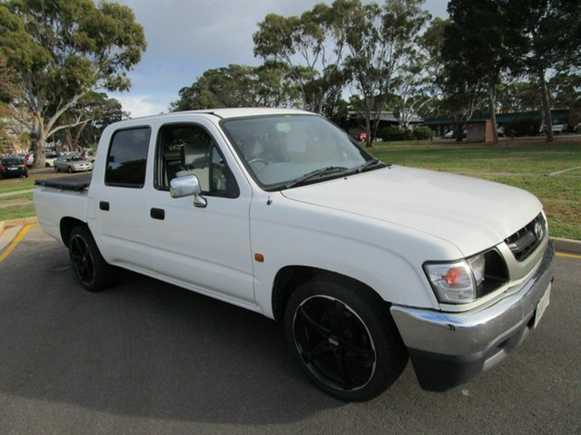 Used Toyota Hilux RZN149R Glenelg, 2004 Toyota Hilux RZN149R White 5 Speed Manual Dual Cab Pick-up