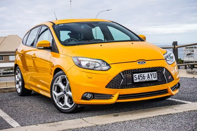 Used Ford Focus LW MkII ST Christies Beach, 2013 Ford Focus LW MkII ST Orange 6 Speed Manual Hatchback