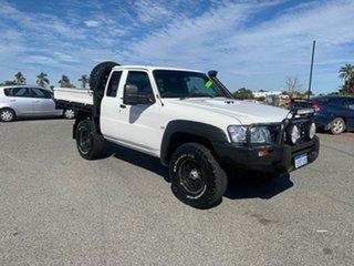 2007 Nissan Patrol GU IV MY07 DX (4x4) White 5 Speed Manual Wagon.