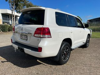 2008 Toyota Landcruiser UZJ200R Sahara (4x4) White 5 Speed Automatic Wagon.