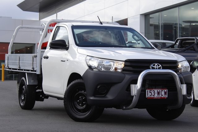 Pre-Owned Toyota Hilux GUN122R Workmate 4x2 Woolloongabba, 2015 Toyota Hilux GUN122R Workmate 4x2 White 5 Speed Manual Cab Chassis