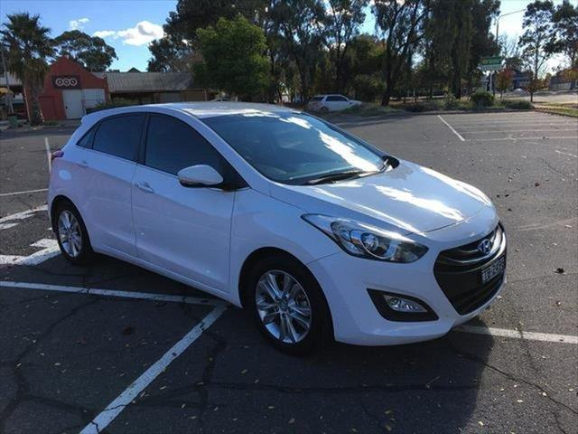 Used Hyundai i30 GD Elite Yarrawonga, 2012 Hyundai i30 GD Elite White 6 Speed Sports Automatic Hatchback