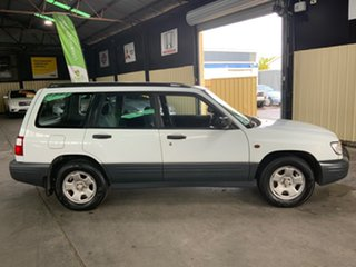 2000 Subaru Forester MY01 White 4 Speed Automatic Wagon.