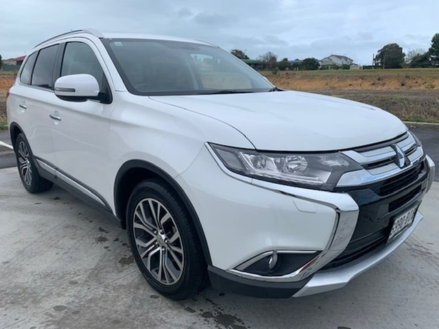 Used Mitsubishi Outlander ZK MY16 Exceed 4WD Victor Harbor, 2015 Mitsubishi Outlander ZK MY16 Exceed 4WD White 6 Speed Constant Variable Wagon