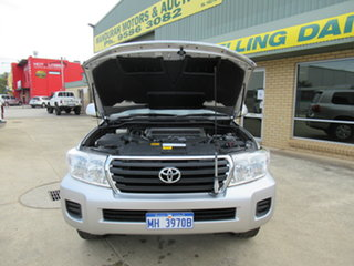 2014 Toyota Landcruiser VDJ200R GXL Silver 6 Speed Automatic Wagon.
