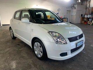 2006 Suzuki Swift RS415 White Pearl 4 Speed Automatic Hatchback.