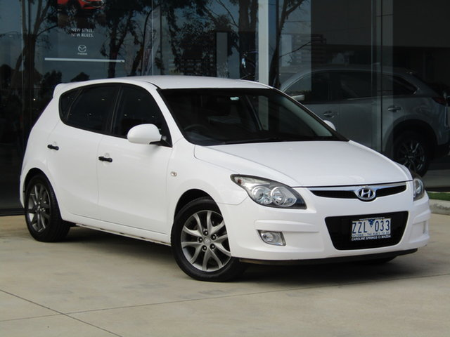 Used Hyundai i30 FD MY11 Trophy Ravenhall, 2012 Hyundai i30 FD MY11 Trophy White 5 Speed Manual Hatchback