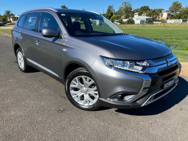 Pre-Owned Mitsubishi Outlander ZL MY19 ES 2WD South Grafton, 2019 Mitsubishi Outlander ZL MY19 ES 2WD Silver 6 Speed Constant Variable Wagon