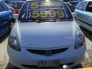 2008 Honda Jazz GE MY09 VTi White 5 Speed Manual Hatchback.