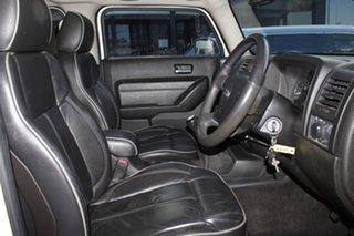 2009 Hummer H3 White 5 Speed Manual Wagon
