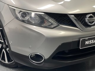 2014 Nissan Qashqai J11 TI Silver 6 Speed Manual Wagon.