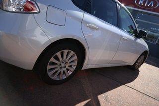2011 Subaru Impreza MY11 R (AWD) White 5 Speed Manual Hatchback