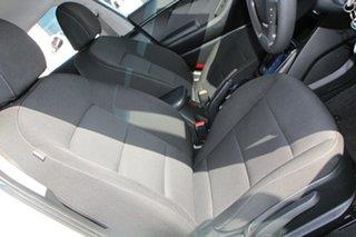 2018 Kia Cerato BD MY19 S White 6 Speed Sports Automatic Hatchback