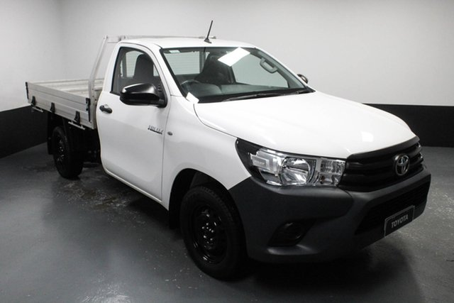 Used Toyota Hilux TGN121R Workmate 4x2 Hamilton, 2017 Toyota Hilux TGN121R Workmate 4x2 White 5 Speed Manual Cab Chassis