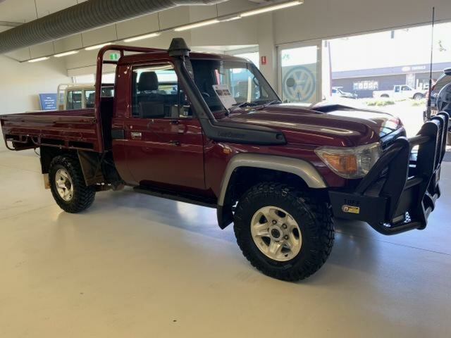 Pre-Owned Toyota Landcruiser VDJ79R GX (4x4) Emerald, 2017 Toyota Landcruiser VDJ79R GX (4x4) Red 5 Speed Manual Cab Chassis