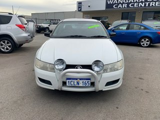 2006 Holden Commodore VZ MY06 S White 6 Speed Manual Utility.