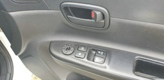 2006 Hyundai Accent MC White 5 Speed Manual Hatchback
