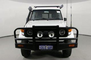 2006 Toyota Landcruiser HZJ78R (4x4) 11 Seat White 5 Speed Manual 4x4 TroopCarrier.