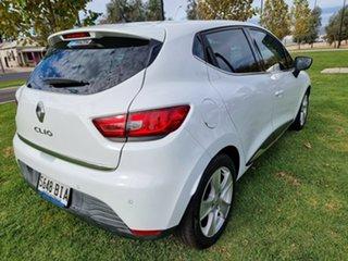 2013 Renault Clio IV B98 Dynamique EDC White 6 Speed Sports Automatic Dual Clutch Hatchback.