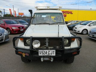 1995 Toyota Landcruiser HZJ75RV (4x4) 11 Seat White 5 Speed Manual 4x4 TroopCarrier.