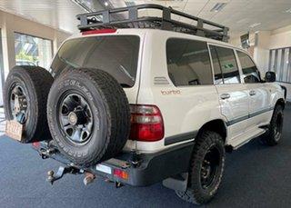 2003 Toyota Landcruiser HDJ100R GXL White 5 Speed Manual Wagon.