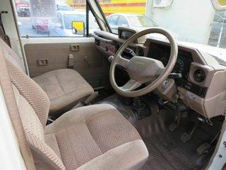 1995 Toyota Landcruiser HZJ75RV (4x4) 11 Seat White 5 Speed Manual 4x4 TroopCarrier