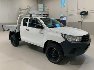 2017 Toyota Hilux GUN125R Workmate Extra Cab White 6 Speed Manual Cab Chassis.