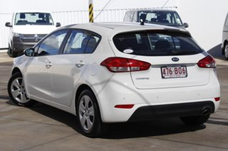 2015 Kia Cerato YD MY15 S Clear White 6 Speed Sports Automatic Hatchback.
