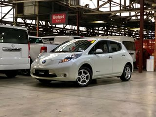 2012 Nissan Leaf ZE0 White 1 Speed Reduction Gear Hatchback.