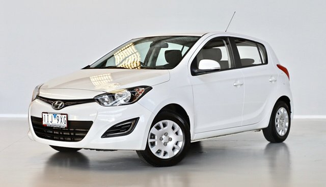 Used Hyundai i20 PB MY16 Active Thomastown, 2015 Hyundai i20 PB MY16 Active White 6 Speed Manual Hatchback