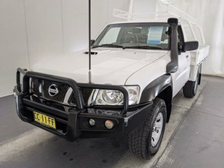 2014 Nissan Patrol Y61 Series 4 MY14 DX White 5 Speed Manual Cab Chassis.