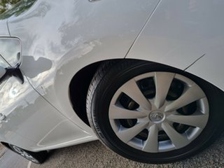 2011 Toyota Corolla ZRE152R MY11 Ascent White 6 Speed Manual Hatchback