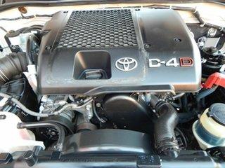 2011 Toyota Hilux KUN16R MY10 SR 4x2 White 5 Speed Manual Utility