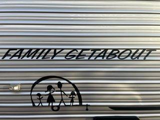2014 Crusader Family Caravan