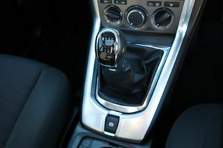 2012 Holden Captiva CG Series II 5 White 6 Speed Manual Wagon.