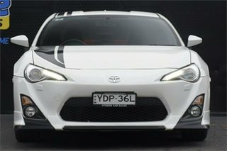 2015 Toyota 86 ZN6 Blackline Edition Pearl White 6 Speed Manual Coupe.