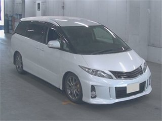 2010 Toyota Estima White.