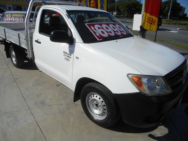 Used Toyota Hilux TGN16R MY05 Workmate 4x2 Springwood, 2005 Toyota Hilux TGN16R MY05 Workmate 4x2 White 5 Speed Manual Cab Chassis