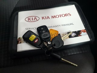 2010 Kia Soul AM MY10 2.0 White 5 Speed Manual Hatchback