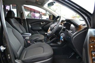 2010 Hyundai ix35 LM Active Black 5 Speed Manual Wagon.
